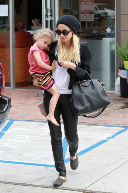 Nicole Richie and Harlow Get Pampered
