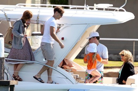 Tobey Mcgurie and Family Take A Boat Ride With Leonardo Dicaprio