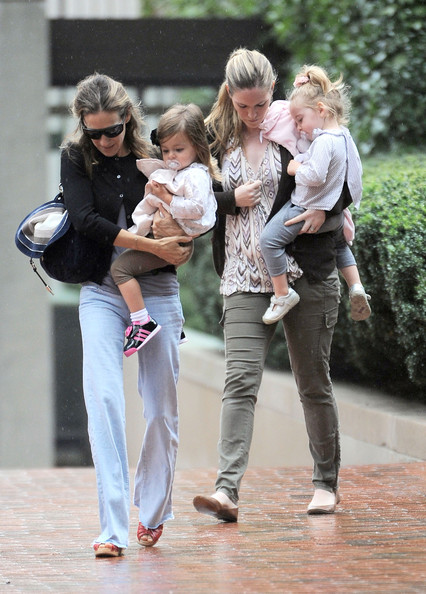 Sarah Jessica Parker Spends A Rainy Day With Her Twins