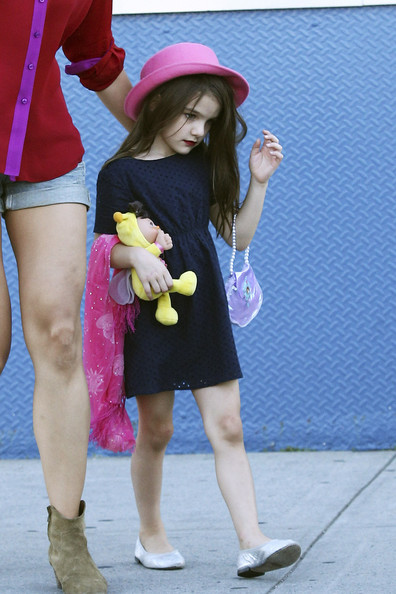 Suri Cruise Wears Dark Red Lipstick