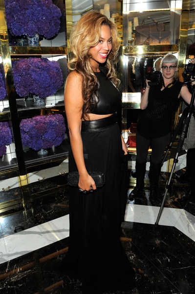 Pregnant Beyonce attends the Tory Burch Madison Avenue Flagship Opening on September 13, 2011 in New York City.