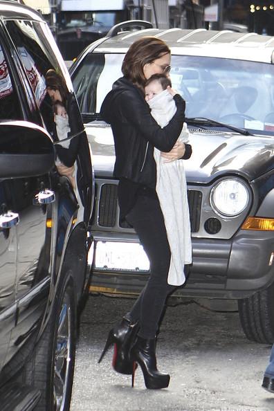 Victoria Beckham Wear Super High Heels While Walking With Harper Seven