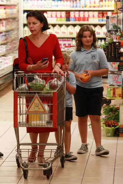 Debi Mazar takes her little girls, Evelina and Giulia Corcos, out for a grocery shopping trip in Los Angeles, California on October 19, 2011.