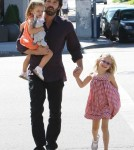 Ben Affleck and daughters Violet and Seraphina in Brentwood, CA on October 1st, 2011.
