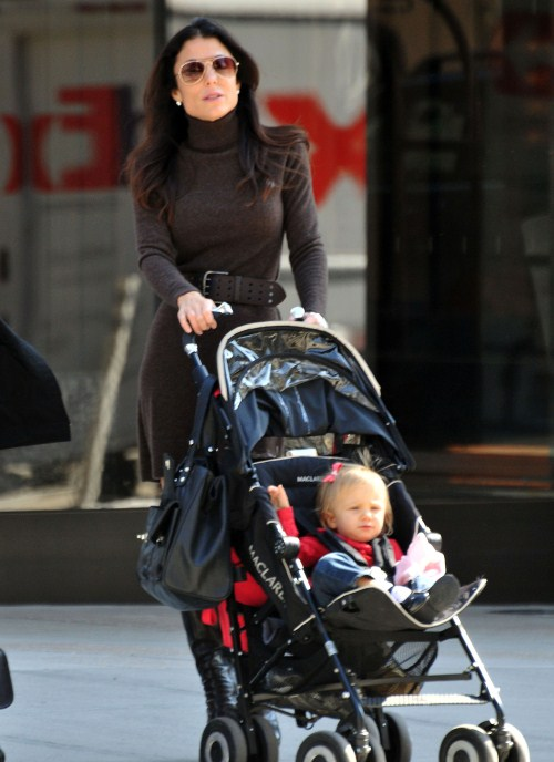 Bethenny Frankel and Bryn Go For A Stroll Around NYC