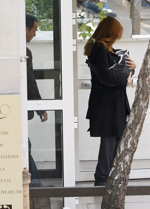 Carla Bruni and her new baby girl Giulia leaving the Clinique de la Muette hospital Paris, France