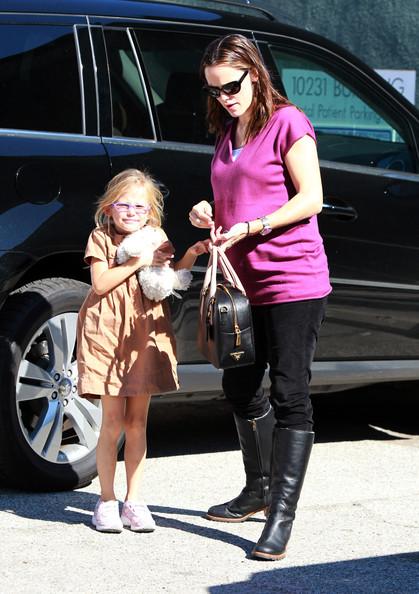 Pregnant Jennifer Garner Taking Violet To Dentist