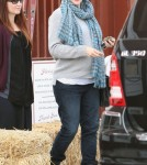 Jennifer Garner bundled up for a trip to the Country Market in Los Angeles, California on October 24, 2011