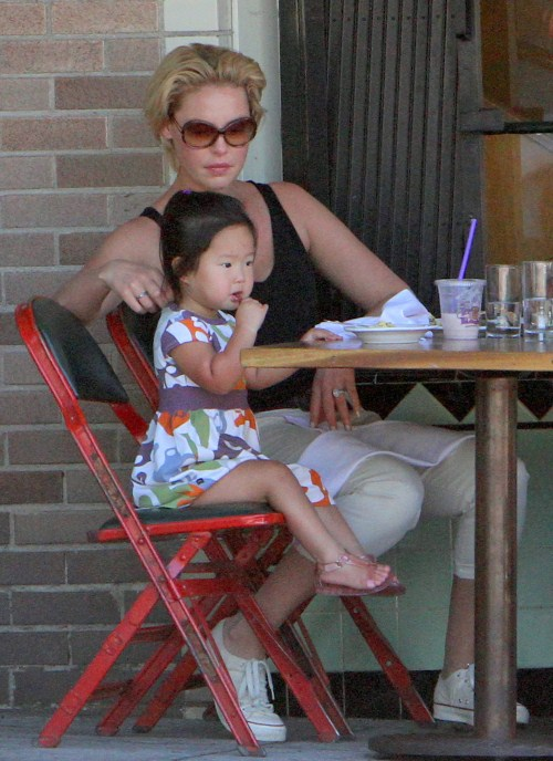 #7775751 Actress Katherine Heigl joined her husband singer Josh Kelley on a stroll with their daughter Naleigh through their Los Feliz, California neighborhood on August 23, 2011. The family of three stopped for drinks at Coffee Bean and Tea Leaf before heading to lunch at Little Dom's restaurant where they dined outside. After lunch they headed back home.