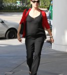 Pregnant Jennifer Garner goes to a meeting in Los Angeles