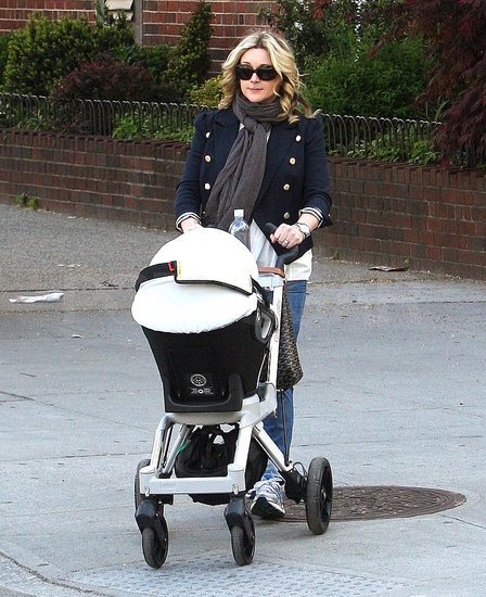 Jane Krakowski: My Baby's Poop Is Lovely Smelling