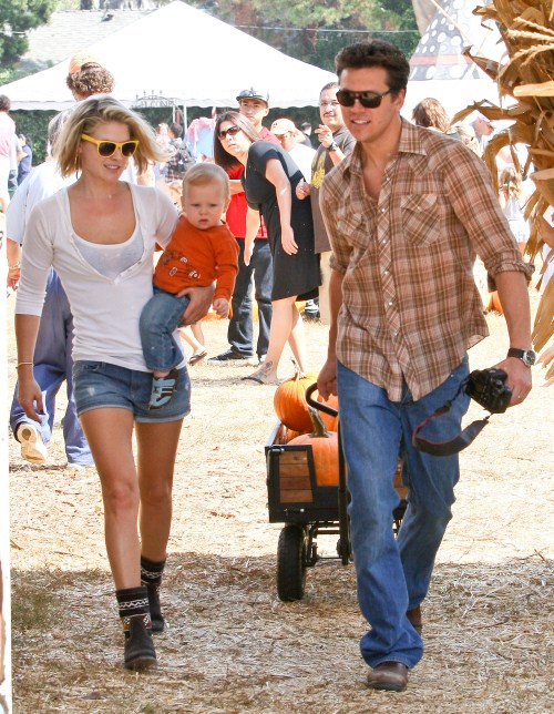 Ali Larter enjoyed a sunny day at Mr. Bones Pumpkin Patch in Los Angeles, California on October 15, 2011 with her family.
