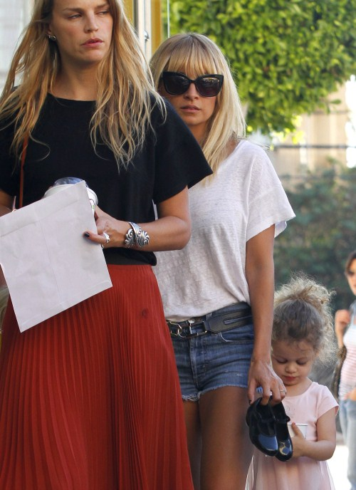 Nicole Richie takes her daughter Harlow to ballet class in Los Angeles, California on October 12th, 2011.