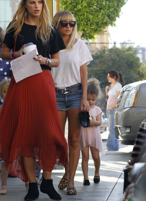 Nicole Richie Takes Harlow To Ballet