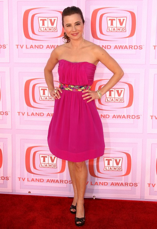 Linda Cardellini at 7th Annual TV Land Awards, Gibson Amphitheatre, Universal City, California