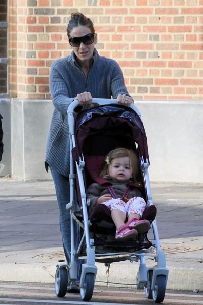 Sarah Jessica Parker walks the Kids to School