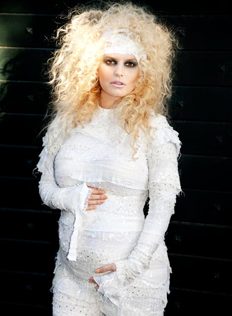 Jessica Simpson Confirms Pregnancy in a Mummy Costume