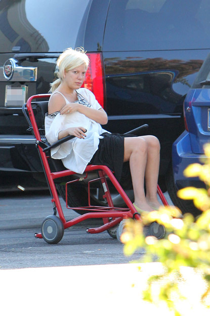 Tori Spelling rushed to the hospital by Dean McDermott