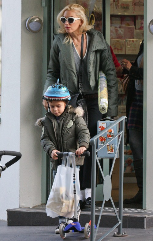 Gwen Stefani and her son Kingston Rossdale made their way out of a local toy store in Primrose Hill, London on October 20, 2011.