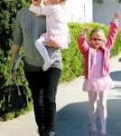Jennifer Garner, Violet and Seraphina leave Ballet Class November 5 2011