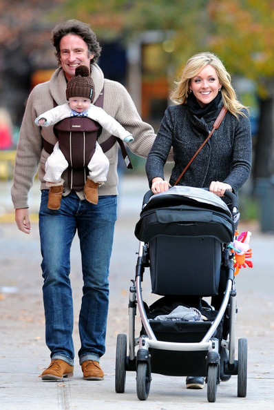 Jane Krakowski & Family Stroll Around SoHo