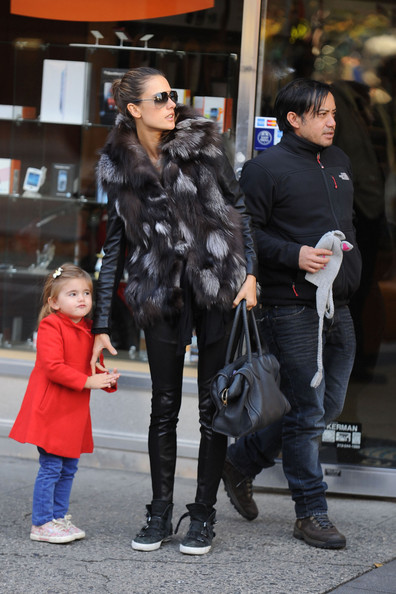 Alessandra Ambrosio Spends A Furry Day With Anja