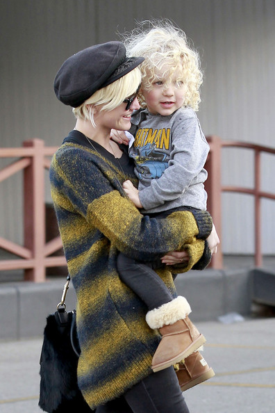 Ashlee Simpson spends time with her son Bronx at a carwash in Los Angeles.