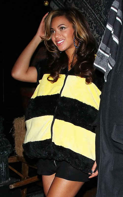Beyonce's Bumble Bee Bump