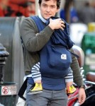 Orlando Bloom kisses his son Flynn
