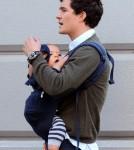 Orlando Bloom kisses his son Flynn