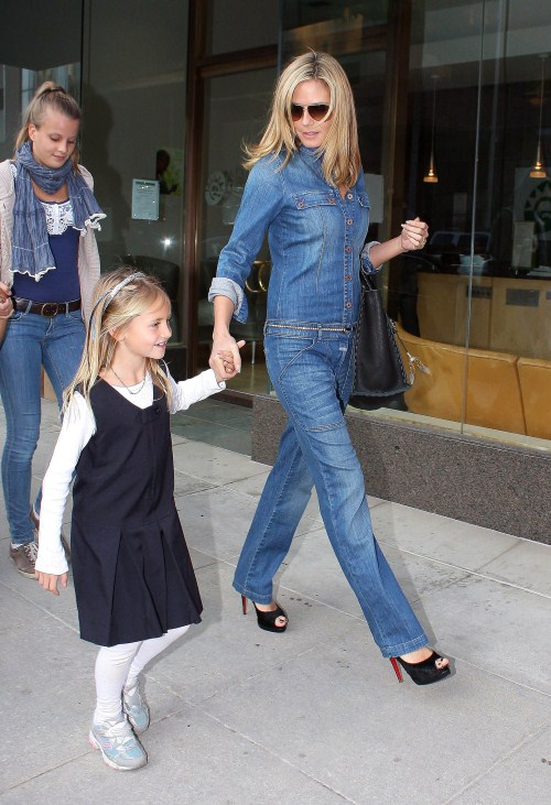 Heidi Klum rewards her brood of children with Sprinkles cupcakes in Los Angeles, CA on November 15, 2011 after the whole bunch patiently ran errands with their model mom!