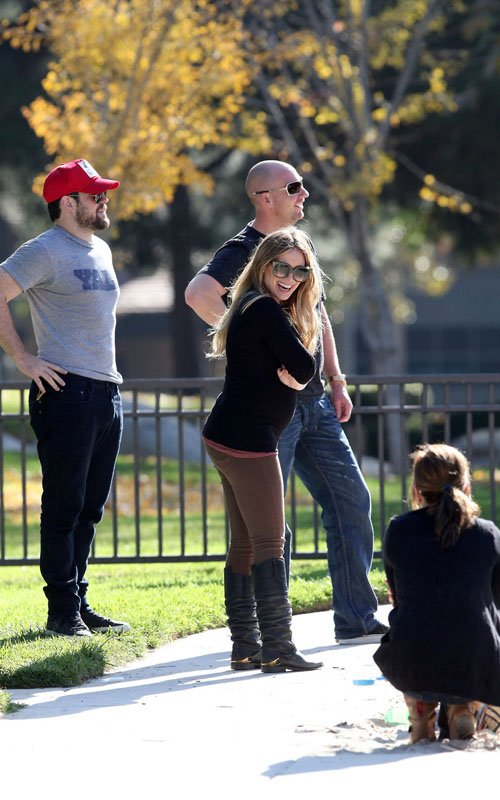 Hilary Duff with Mike Comrie and family at a Los Angeles, California park (November 25).