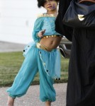 Jessica Alba Takes Honor Out For Halloween