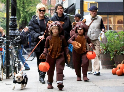 Deborra Lee Furness Takes Her Beavers Trick-Or-Treating