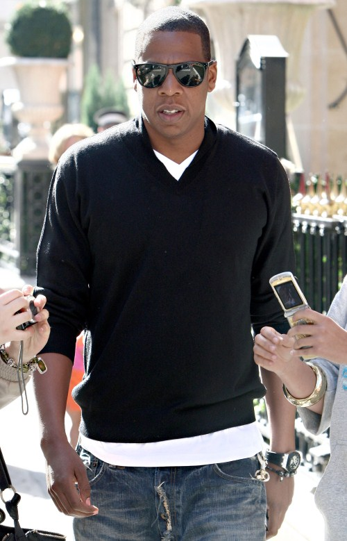Rapper Jay-Z spent the afternoon strolling about and enjoying the sights of Paris, France on September 23, 2009.