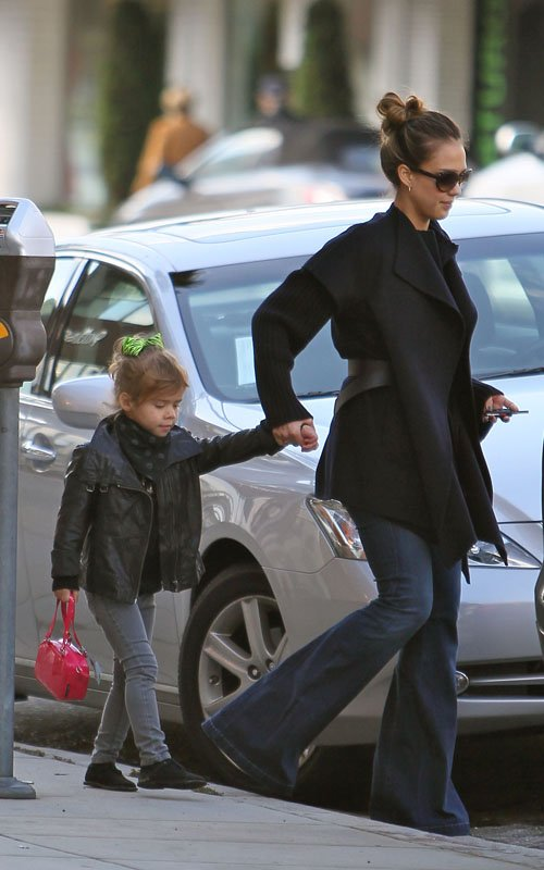 Jessica Alba and Honor Marie at La Pain Quotidian in Beverly Hills
