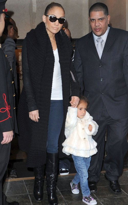 Jennifer Lopez In The Big Apple With Twins
