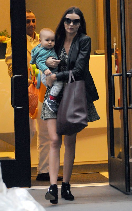 Miranda Kerr Shops With Flynn In The Big Apple
