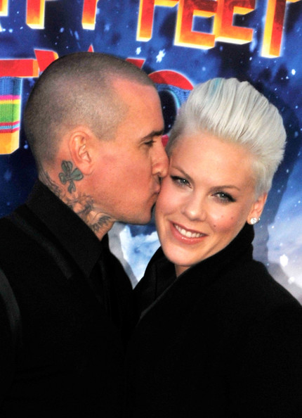 Pink & Carey Hart Take Willow Sage To The Happy Feet Two Premiere