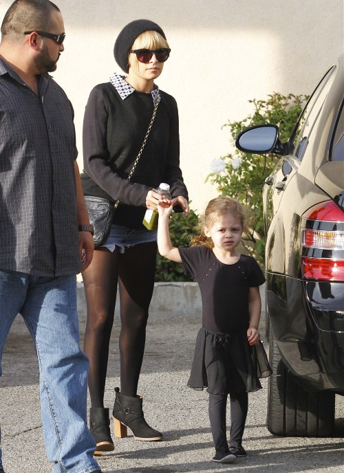 Nicole Richie Takes Harlow To Dance Class
