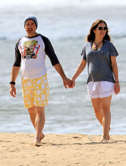 Robert Downey Jr And His Pregnant Wife Susan Out For A Walk On The Beach In Kauai
