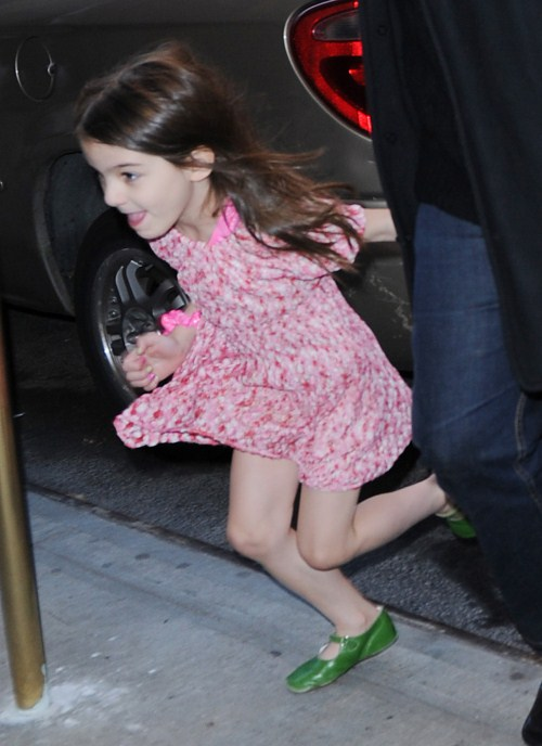 Suri Cruise Is A Runner!