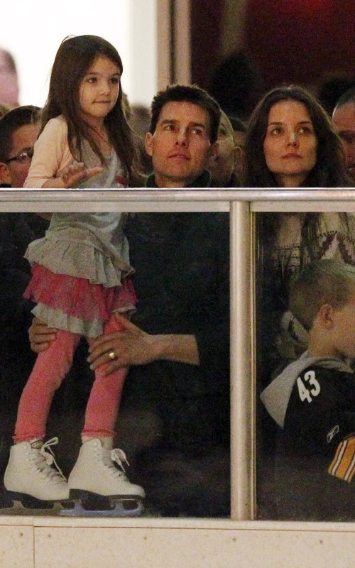 Tom Cruise & Katie Holmes Rent $5000 Skating Rink For Suri