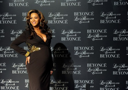 Beyonce On Her Way To The Hospital To Have Her Baby?