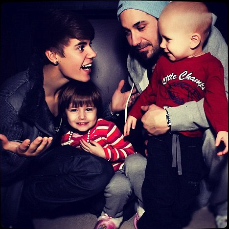 Justin Bieber Family Portrait With His Brother & Sister