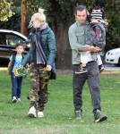 Singer Gwen Stefani and Gavin Rossdale spending a sunny afternoon with their sons Kingston and Zuma at a park in Los Angeles, CA