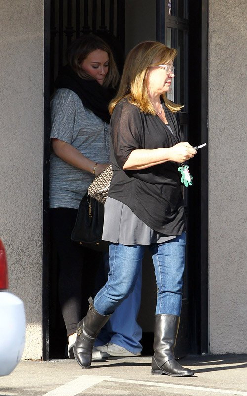 Hilary Duff at a California Animal Hospital (December 18).