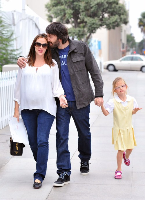 Jennifer Garner joined her husband Ben Affleck and their eldest daughter Violet for a stroll in Santa Monica, California on November 30, 2011.