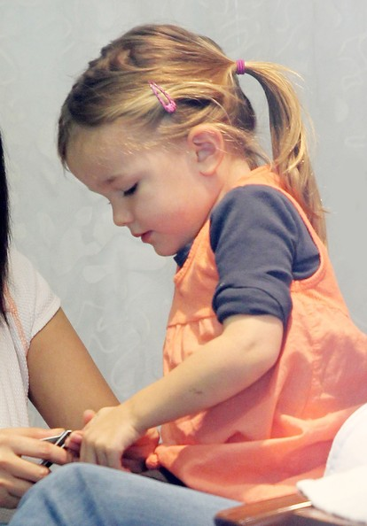 Jennifer Garner and Seraphina get a manicure at a nail salon in Pacific Palisdaes