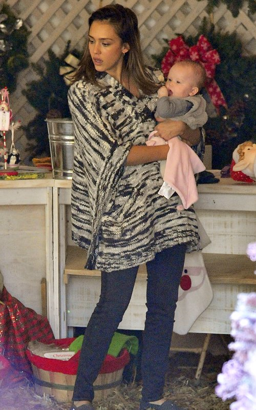 Jessica Alba and family go Christmas tree shopping in Beverly Hills, CA (December 10)